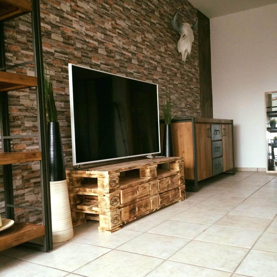 3 EPAL Pallet TV Stand