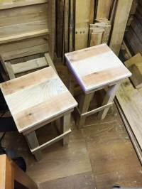 DIY Pallet Bar Stools