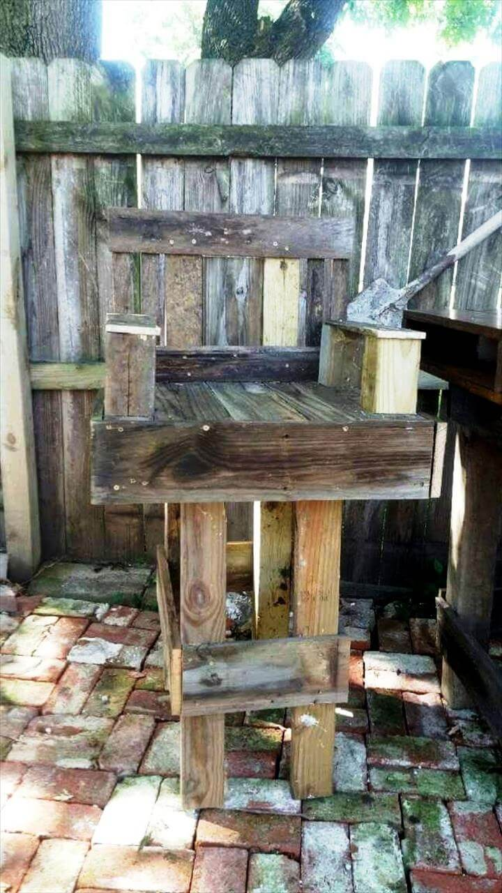 patio chairs with footrests yellow rocking chair diy pallet outdoor bar table set - 101 ideas