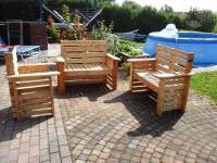 DIY Wooden Pallet Patio Furniture Set - 101 Pallet Ideas