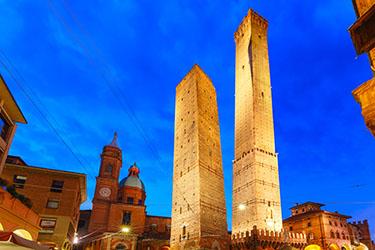 La Torre degli Asinelli a Bologna cosa vedere a bologna in un giorno 44/100 cosa vedere a bologna in due giorni 44/100 cosa vedere a bologna 76/100
