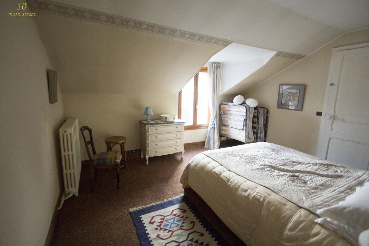 Idee Deco Chambre Mansarde Finest Chambre Sous Les Combles Ides Et Dcoration With Idee Deco