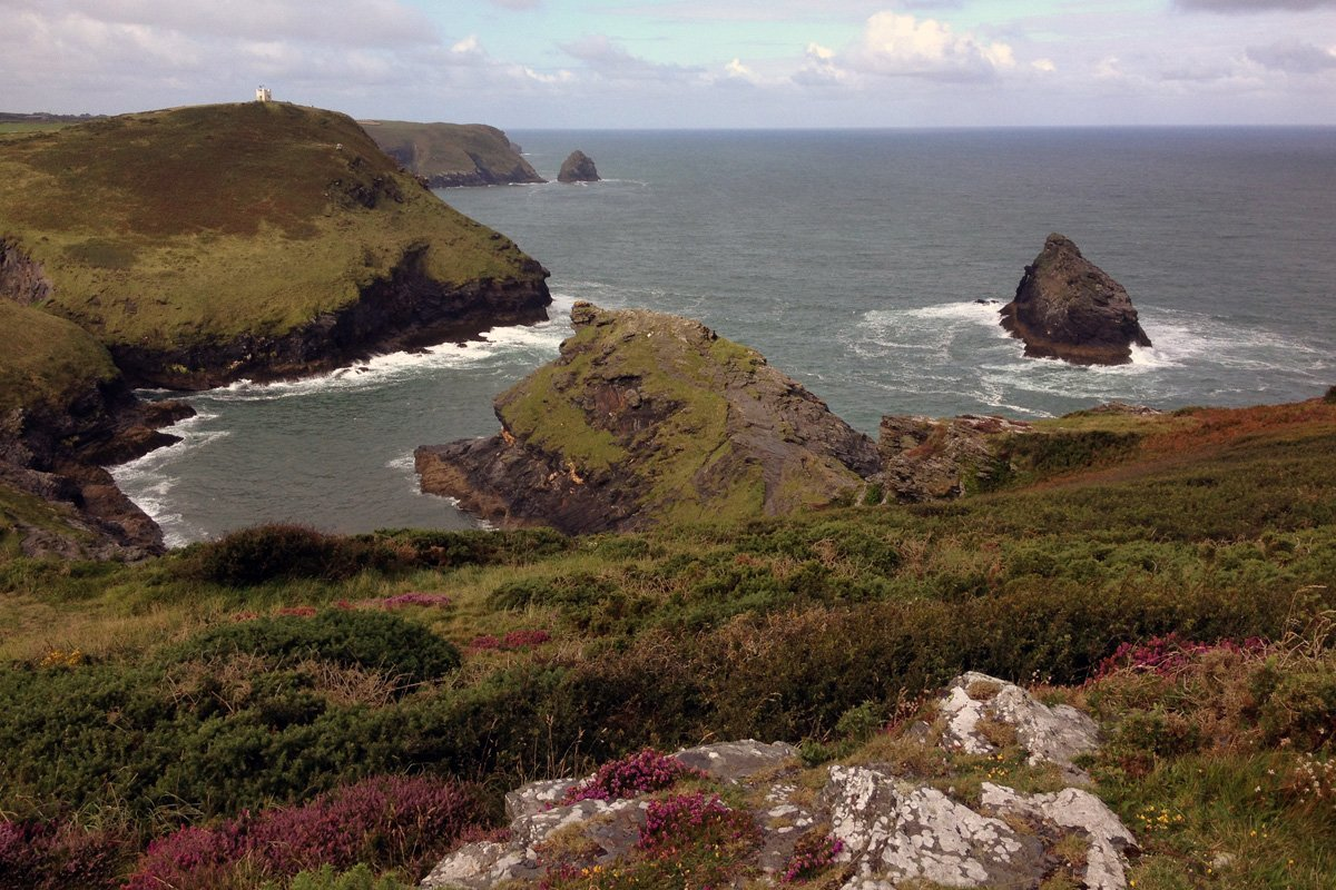 View over the cliffs at Boscastle, South West Coast Path, North Cornwall. Copyright Stephanie Boon, 2017. All Rights Reserved.