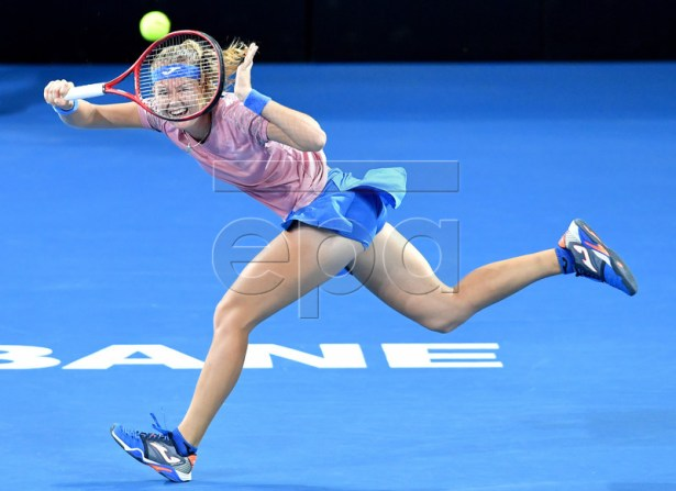 Marie Bouzkova of the Czech Republic in action against Samantha Stosur of Australia on day one of the Brisbane International tennis tournament at the Queensland Tennis Centre in Brisbane, Australia, 31 December 2018.  EPA-EFE/DARREN ENGLAND AUSTRALIA AND NEW ZEALAND OUT  EDITORIAL USE ONLY