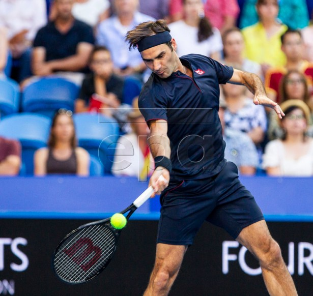 Roger Federer of Switzerland in action  during the men's singles match between Switzerland and Germany on day 8 of the Hopman Cup tennis tournament at the RAC Arena in Perth, Australia, 05 January 2019.  EPA-EFE/TONY MCDONOUGH AUSTRALIA AND NEW ZEALAND OUT  EDITORIAL USE ONLY