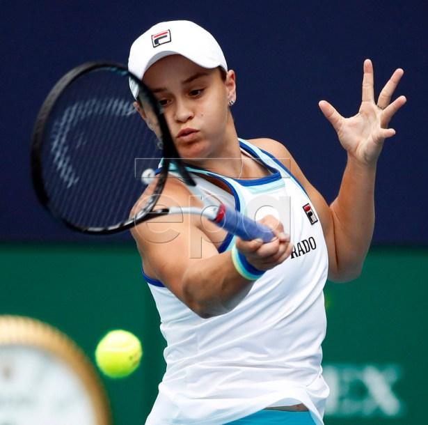 Ashleigh Barty of Australia in action against Anett Kontaveit of Estonia at the Miami Open tennis tournament in Miami, Florida, USA, 28 March 2019.  EPA-EFE/JASON SZENES