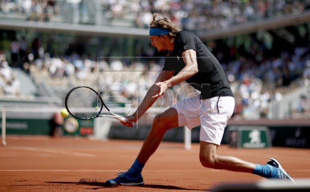 Alexander Zverev of Germany plays Dusan Lajovic of Serbia during their men?s third round match during the French Open tennis tournament at Roland Garros in Paris, France, 01 June 2019. EPA-EFE/YOAN VALAT