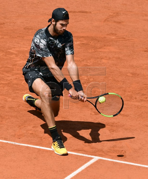 Karen Khachanov of Russia plays Dominic Thiem of Austria during their men?s quarter final match during the French Open tennis tournament at Roland Garros in Paris, France, 06 June 2019. EPA-EFE/CAROLINE BLUMBERG