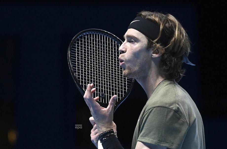 Dominic Thiem Beats Stefanos Tsitsipas — ATP Finals