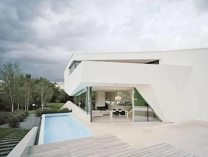 Freundorf Residence Futuristic All White House Near