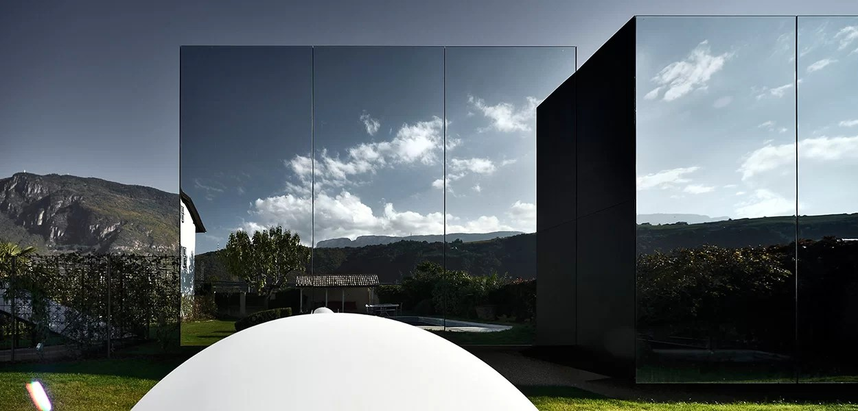 Contemporary Architecture At Its Best These Amazing Mirror Houses Are Some Of Best Vacation