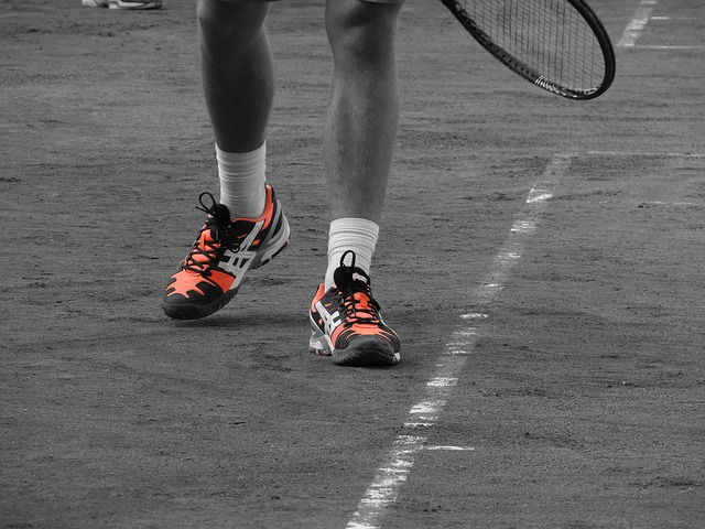 how to waterproof tennis shoes