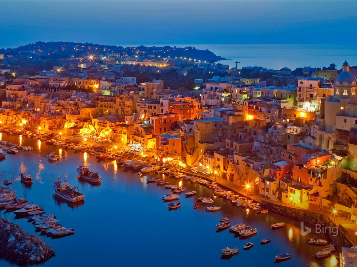 Linux Mint Wallpaper Girl Procida Island In The Gulf Of Naples Italy 2017 Bing