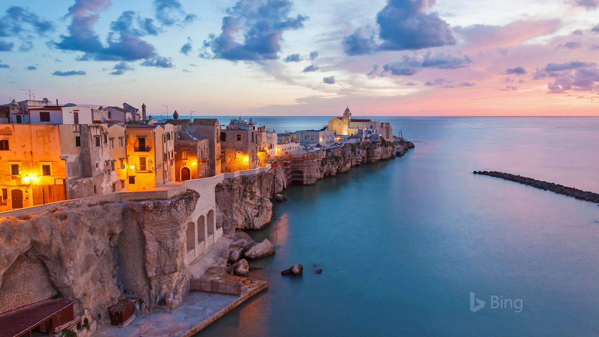 Apple Os X Lion Wallpaper Hd Vieste And The Adriatic Sea Italy 2017 Bing Wallpaper