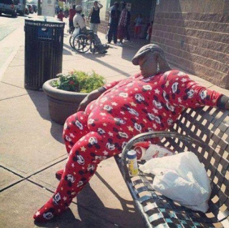 these-people-have-stopped-caring-and-started-living-24-photos-9