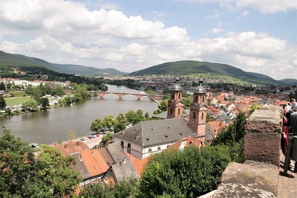 Miltenberg: Historisches Fachwerk am Main