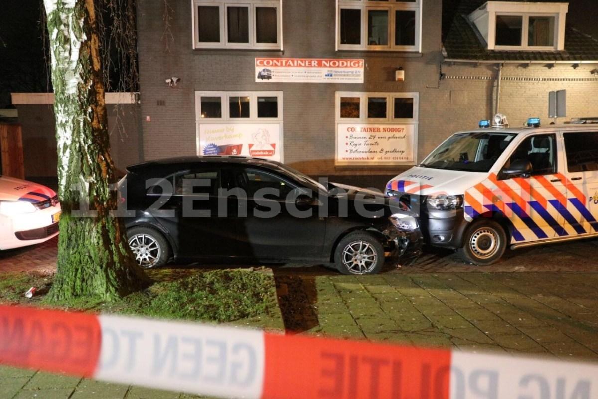 UPDATE: Aanhouding na wilde achtervolging door Enschede; bestuurder krijg proces verbaal voor poging doodslag