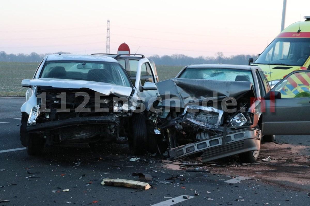 Forse schade na ongeval op kruising Haaksbergerstraat Enschede