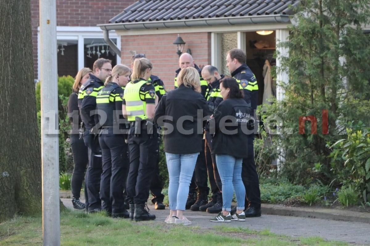UPDATE: Opnieuw overval op bejaarde vrouw in woning Enschede, politie zoekt verdachte