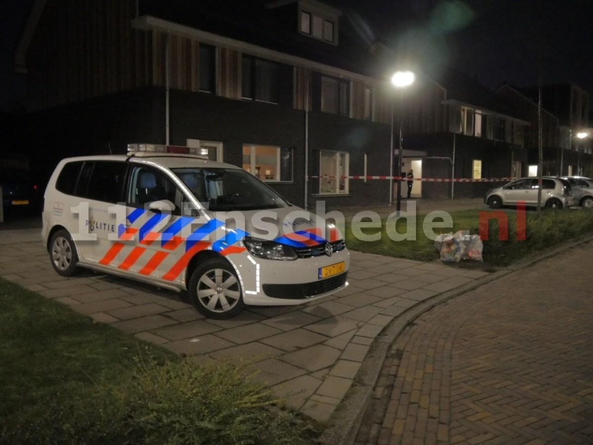 Jeugdige bewoner opgesloten tijdens overval op woning in Enschede