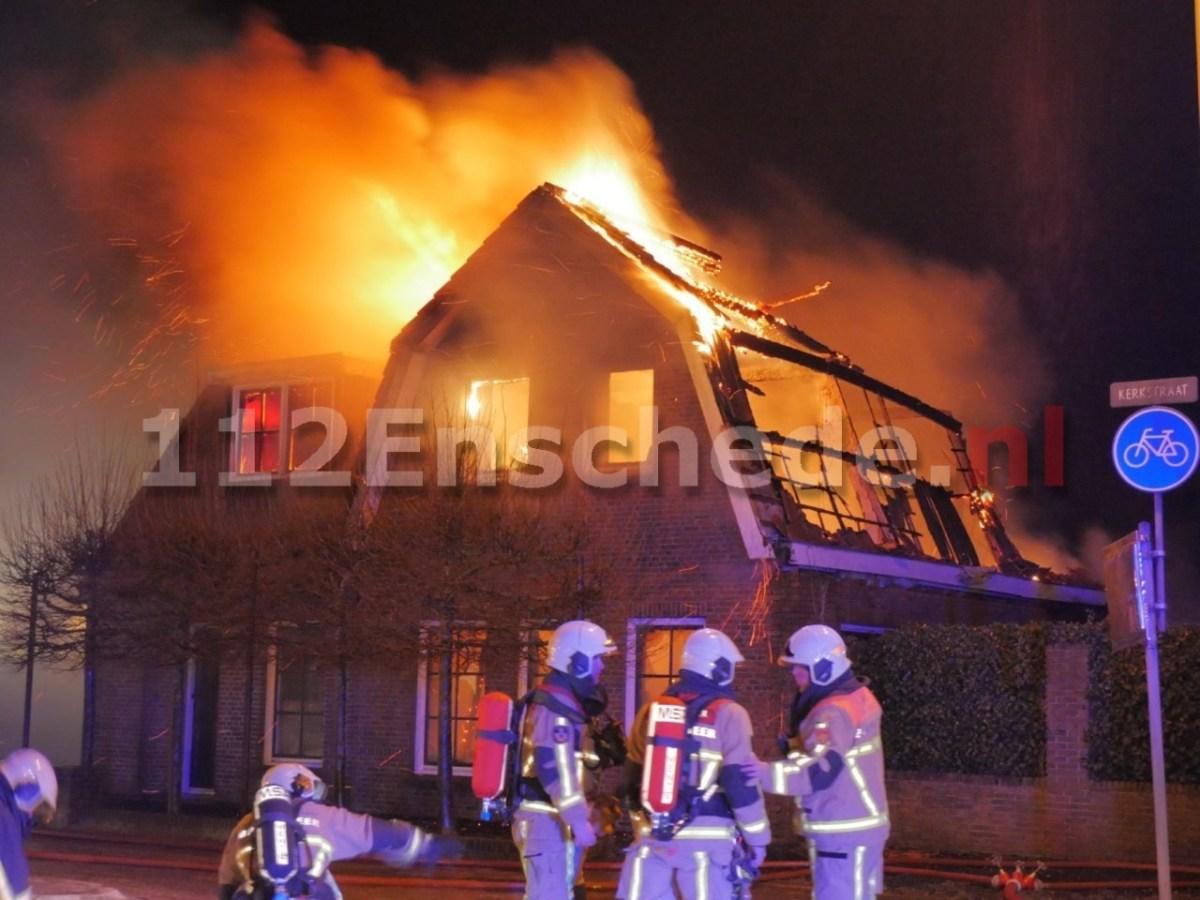 VIDEO 2: Woning volledig verwoest door brand in Glanerbrug