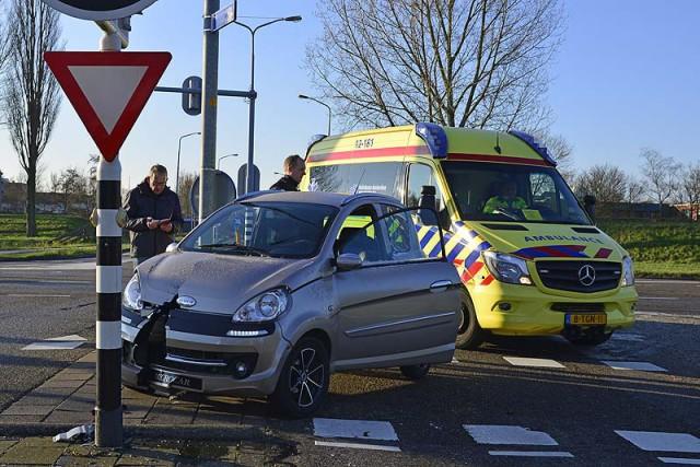 Hoofddorp: Bestuurder microcar gewond na aanrijding