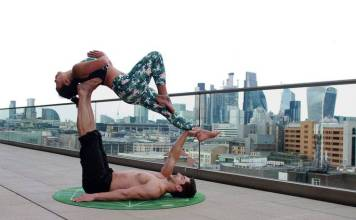 couple working out together by form the form fitness unsplash photo