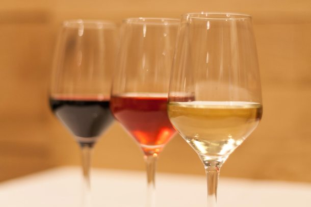 3 copas de vino