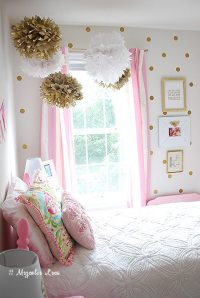 Little Girl's Room Decorated in Pink, White & Gold | 11 ...