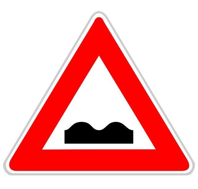 Panneau d'annonce de cassis ou dos d'âne