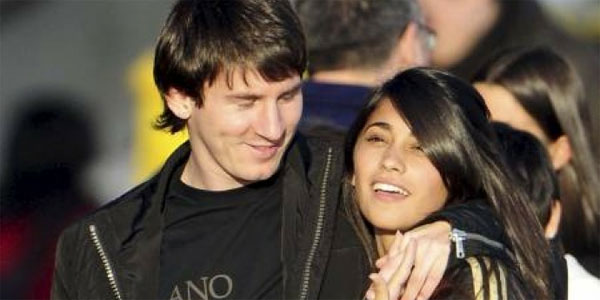 young-messi-and-antonella