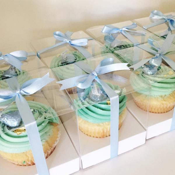 White choc mud cupcakes - 123WeddingCards