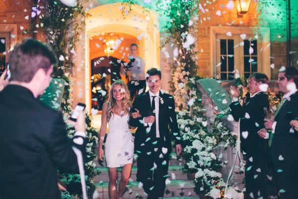 Confetti use as props for wedding photography_2