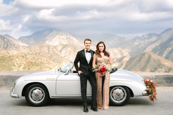 Wedding photos with vintage car_1
