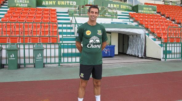 Gary-Stevens-becomes-Ubon-UMT-United-coach-in-Thailand