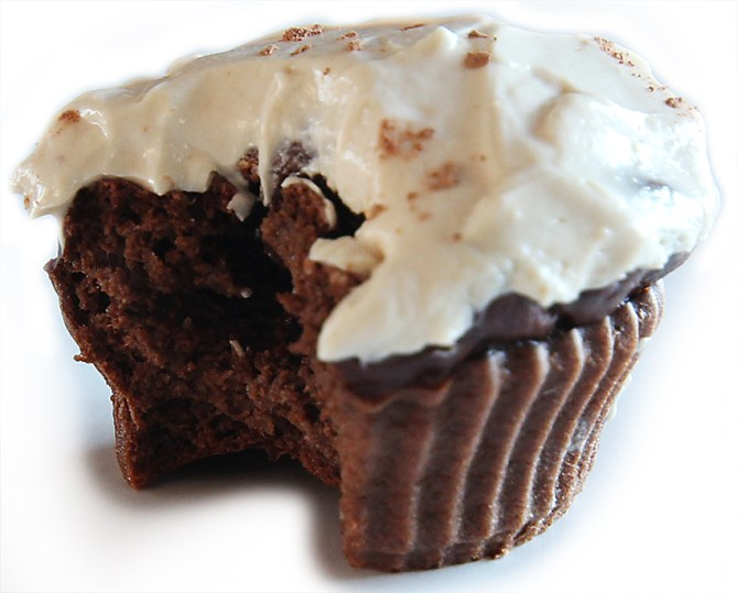 chocolate protein cupcakes