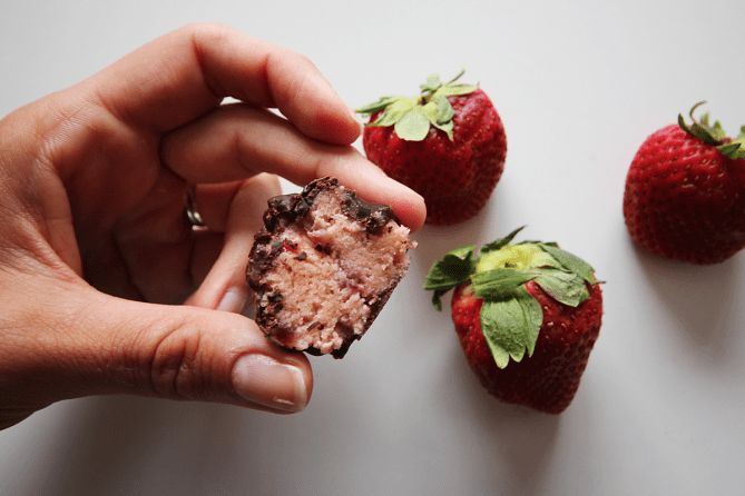 strawberry protein bites