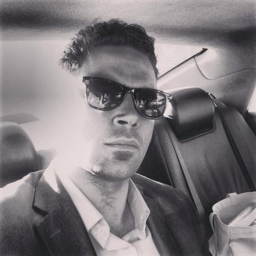 adam fitzgerald disappearing selfie