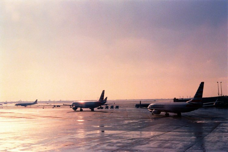 planes at airport during daytime