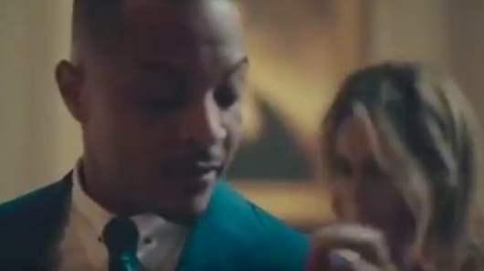 T.I. met en scène Melania Trump en plein strip-tease à la Maison Blanche