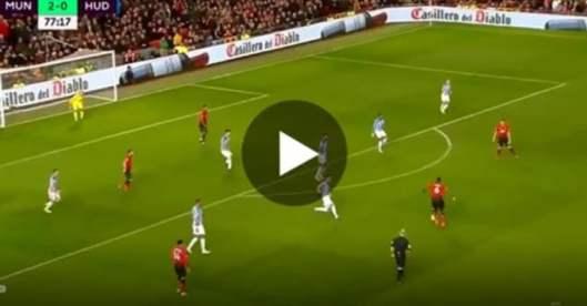 Paul Pogba réalise un superbe doublé contre Huddersfield