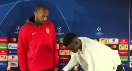 Thierry Henry met un coup de pression en public à son joueur devant la presse !