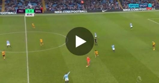 Quand le gardien Manchester City, Ederson se met à jouer au milieu de terrain