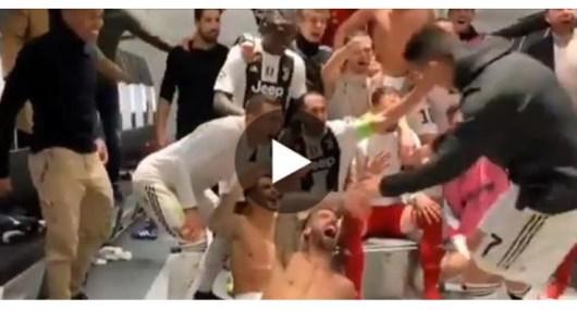 Cristiano Ronaldo : la superbe réaction des joueurs de la Juve lorsqu'il entre dans le vestiaire