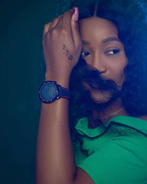 1403 Smart Watch