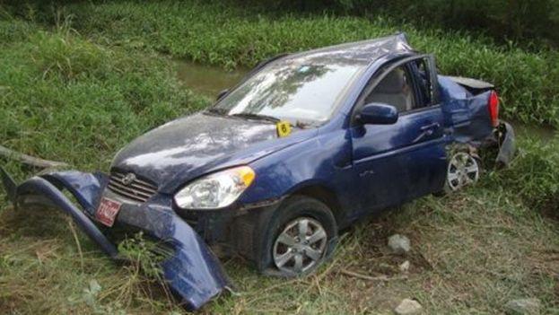 Estado en que quedó el auto en que perdieron la vida Oswaldo Payá y Harold Cepero hace ahora cuatro años
