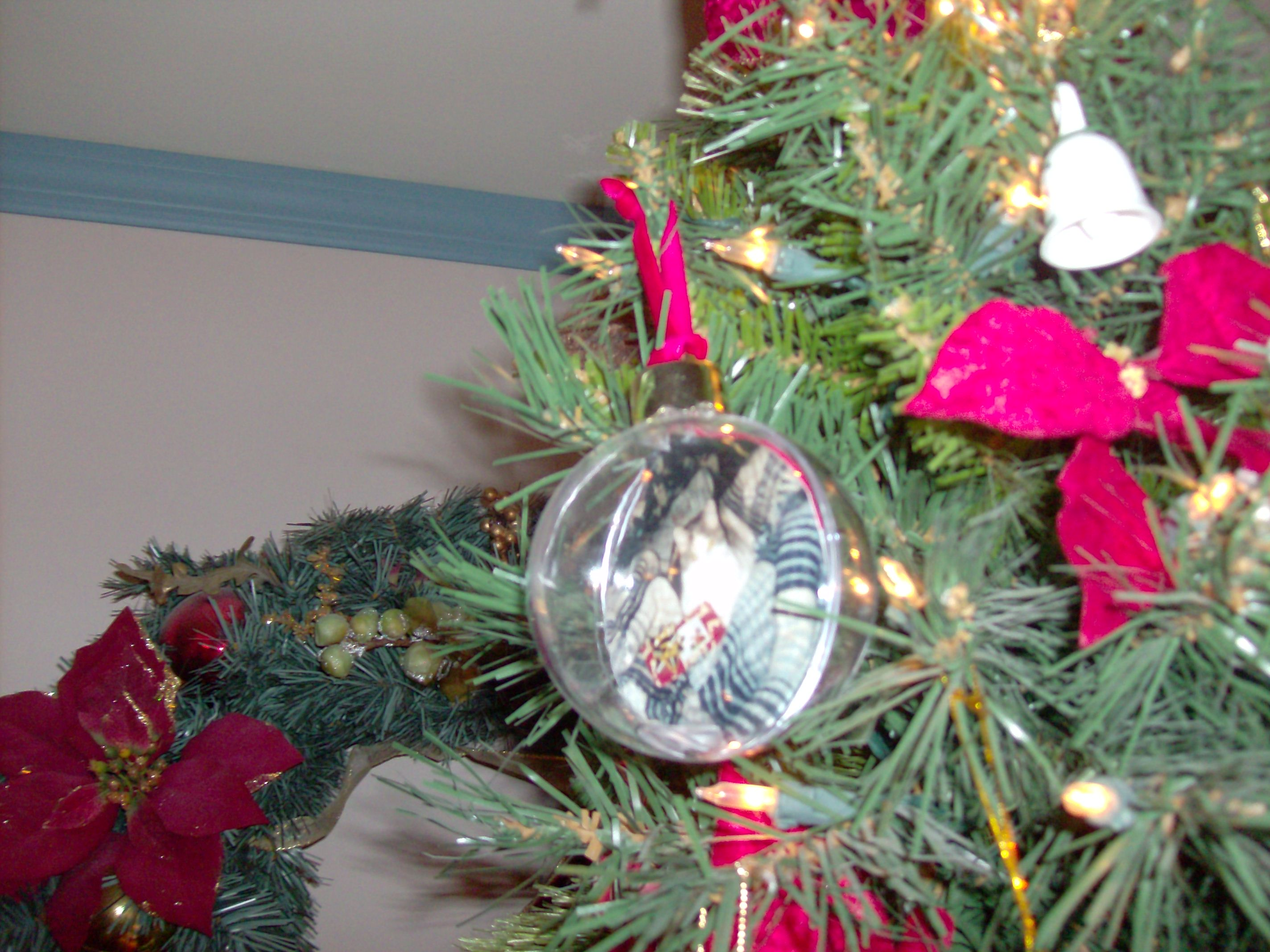 Grumpy christmas ornament - Mom Got A Gift That Wasn T Cat Related It Is A Talking Sheldon Ornament