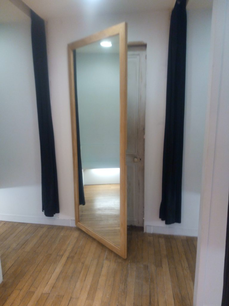 pose porte miroir magasin Nantes menuisier pour les profesionnels