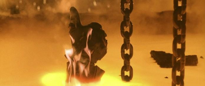 Fig. 10-11: Slutningen i David Finchers film Alien3 (1992) ligner en hyldest til James Camerons film Terminator 2 (1991), men Cameron var en af de mest fremtrædende kritikere af Finchers film.