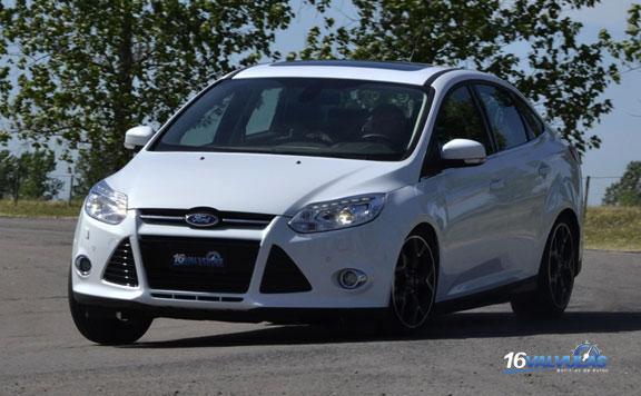 Probamos el Nuevo Ford Focus Sedan Titanium 2.0 AT6